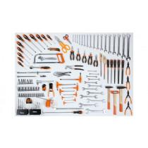"""BETA 5957U-P Työkalulajitelma 133-osaa yleis työkaluja. Hylsyavainsarja koot 10-32 vääntiö 1/2"""". Kiintoavaimet ja kiintolenkit koot 6-30 mm. Pihdit, avaimet, meisselit, t-kahva avaimet ja lyöntityökalut"""